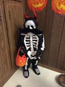 This is Mr. Bones he has been with me for quite some time and now comes every year and spends time with us until christmas. The kids felt that he might not have been dressed up enough. Looking Good Mr. Bones!